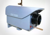 birdhouse-that-looks-like-a-cctv-security-camera-9652